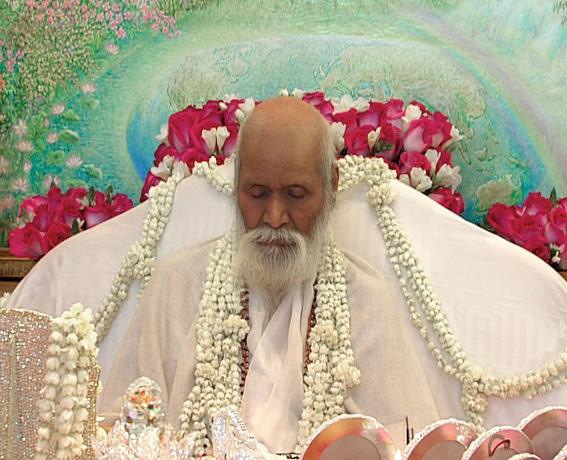 http://maharishi-programmes.globalgoodnews.com/achievements/img/MaharishiMaheshYogi-03.jpg