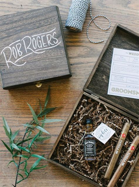 27 Awesome 'Will You Be My Groomsman' Gifts   Weddingomania