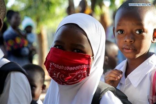 Tanzania yashyizeho amabwiriza y'ikoreshwa ry'udupfukamunwa ku bigo by'amashuri #rwanda #RwOT