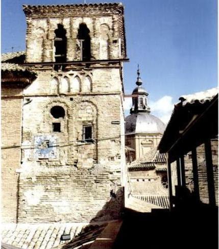 Torre mudéjar de San Pedro Mártir antes de ser restaurada. Del libro San Pedro Mártir el Real: Toledo, escrito por Ángel Alcalde,Isidro Sánchez Sánchez y Rafael del Cerro Malagón