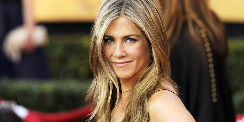 """A Round of Applause for Jennifer Aniston, Who Will Give the World """"Second Skin"""" to Cure Wrinkles"""