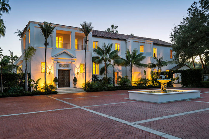 136-tony-montanas-scarface-mansion-is-up-for-sale-for-34-million-usd-4