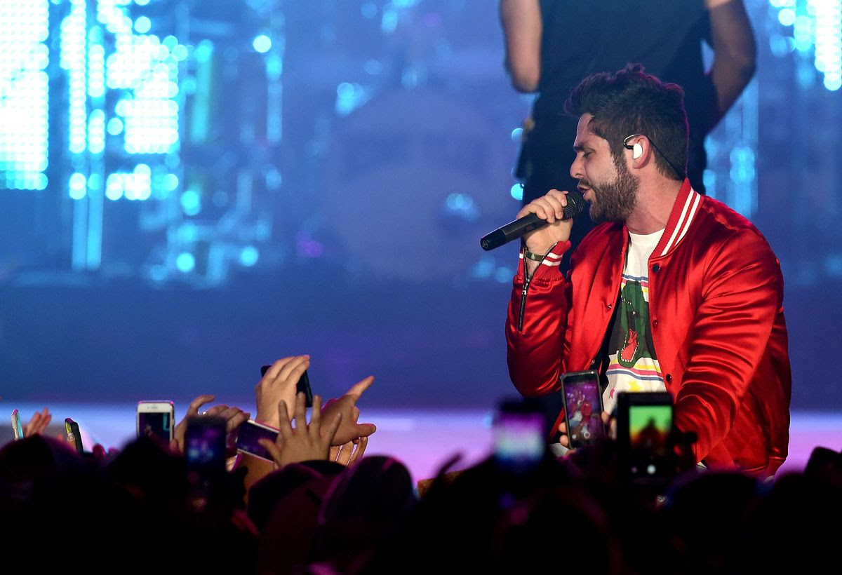 INDIO, CA - APRIL 30:  Singer Thomas Rhett performs on the Toyota Mane Stage during day 3 of 2017 Stagecoach California's Country Music Festival at the Empire Polo Club on April 30, 2017 in Indio, California.  (Photo by Kevin Winter/Getty Images for Stagecoach)