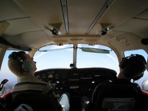 Συγκυβερνήτης κλείδωσε τον κυβερνήτη έξω από το πιλοτήριο, γιατί... τον πήρε ο ύπνος