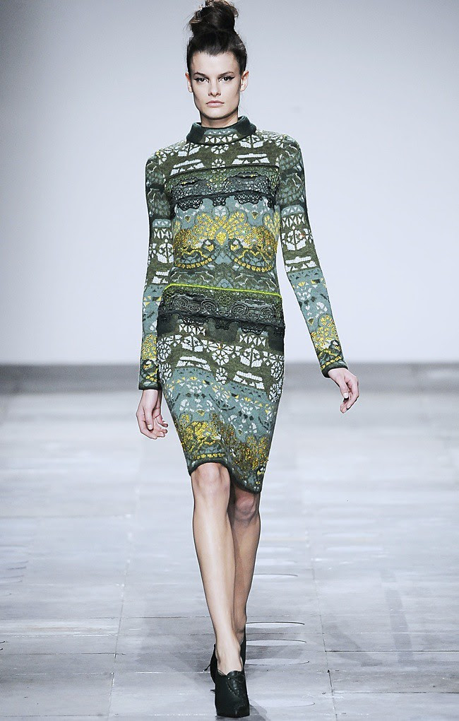 8 Mary_Katrantzou_AW12_Catwalk_Look_24_Photographer_First_View