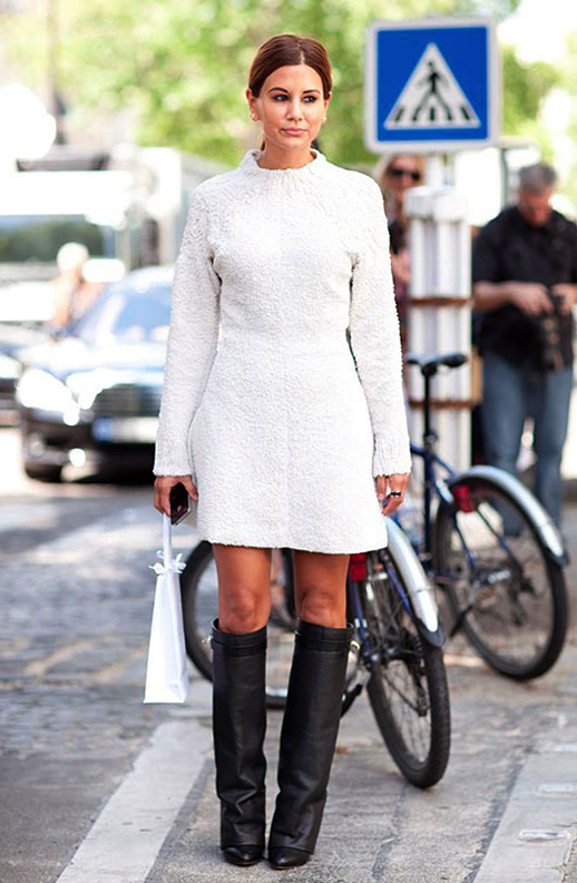 LE FASHION BLOG STREET STYLE CHRISTINE CENTENERA AUSTRALIAN VOGUE EDITOR TEXTURED WHITE CREAM DRESS KNEE HIGH GIVENCHYB RIDING WEDGE BOOTS BLACK SILVER RING VIA MR NEWTON FOR HARPERS BAZAAR