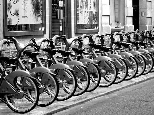 velib, Velib bicycle sharing system, London bike share system, bike sharing, granny bikes, bike solutions, green transportation, car-free travel, green transit, eco transportation, sustainable transit, london transportation, paris bicycle sharing system, cycle share, Velib bicycle sharing system