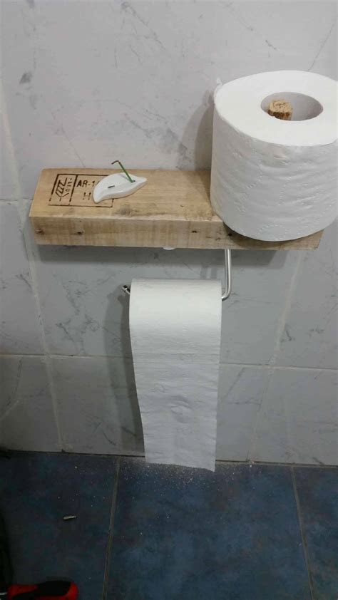 Super easy Pallet Toilet Paper Holder ? 1001 Pallets
