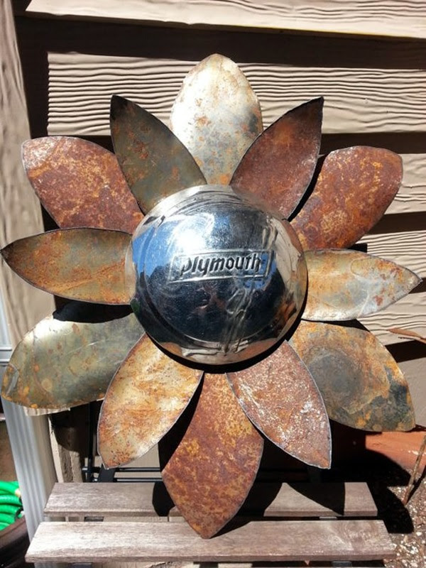 Utterly Beautiful Rusted Metal Art Works (29)