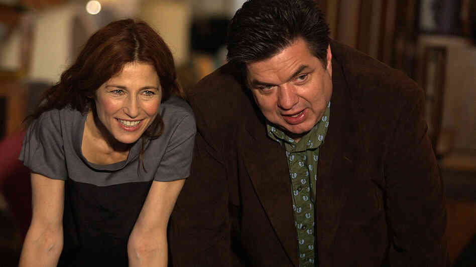 Catherine Keener and Oliver Platt in Please Give (2010)