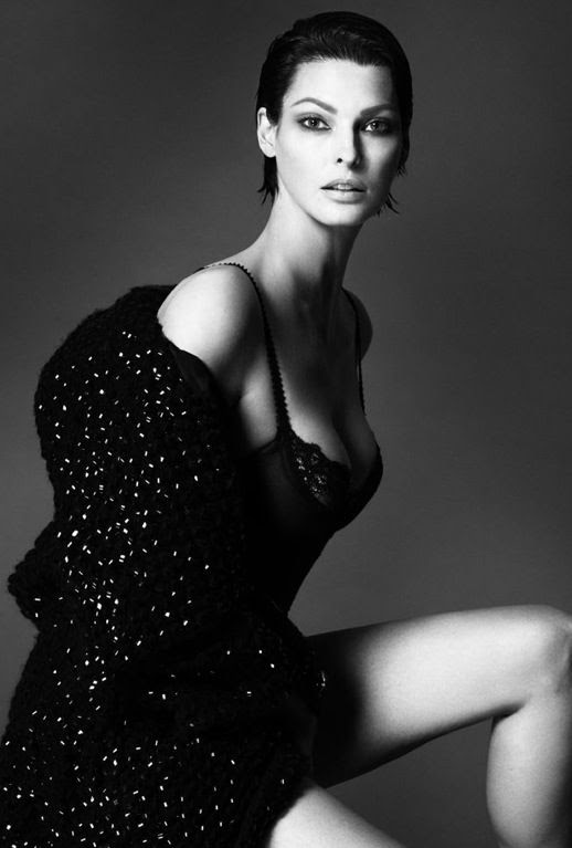 LE FASHION BLOG SUPERMODEL INTERVIEW MAGAZINE LINDA EVANGELISTA BLACK WHITE PORTRAIT SLICKED BACK SHORT HAIR BOUCLE TWEED COAT LACE LINGERIE Mert Alas & Marcus Piggott 6 photo LEFASHIONBLOGSUPERMODELINTERVIEWMAGAZINELINDAEVANGELISTA6.jpg