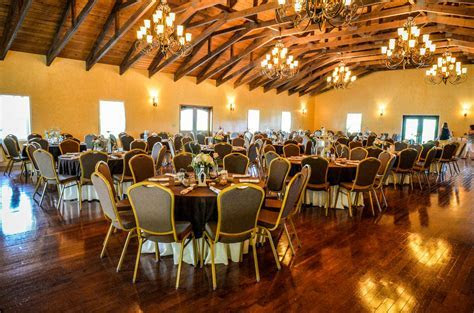 10 Cheap Charlotte Wedding Venues Not to Miss If You're on