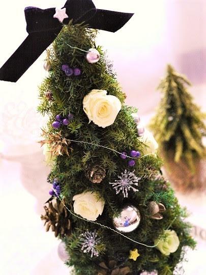 大人シックなクリスマスツリー フラワーアレンジメント