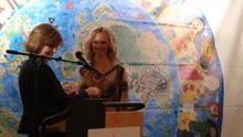 Gabriele Krüger und Birte Glang bei der FAIR FASHION'S NIGHT 2011