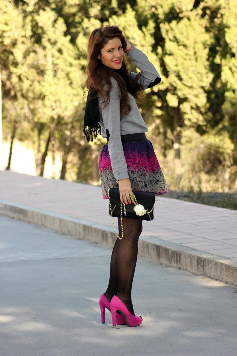 jersey-gris-con-falda-rosa-heelsandroses-(7)