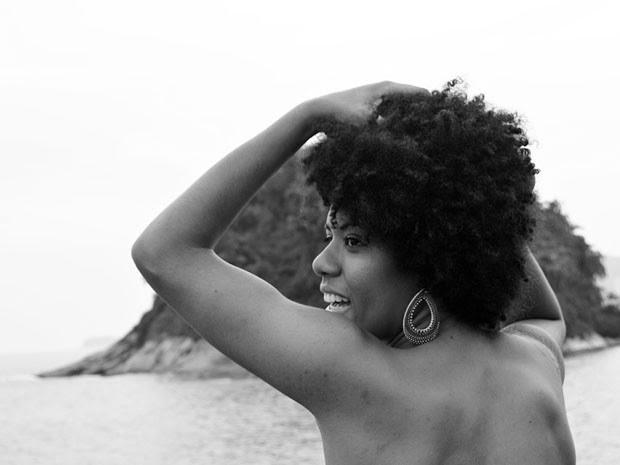 Vivian Soares, de 29 anos, participou do ensaio fotográfico (Foto: Nayla Souza Ribeiro/Arquivo Pessoal)