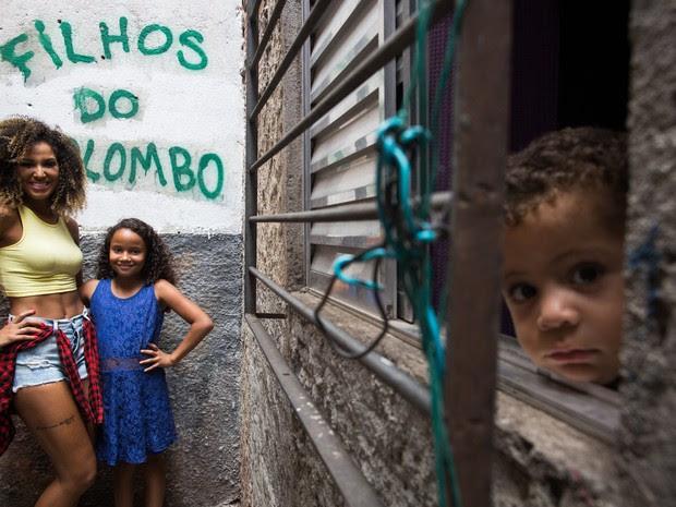 Nascida e criada no Jardim Colombo, Érika foi descoberta na quadra da Mocidade Alegre, escola que desfila desde 2009 (Foto: Victor Moriyama/G1)