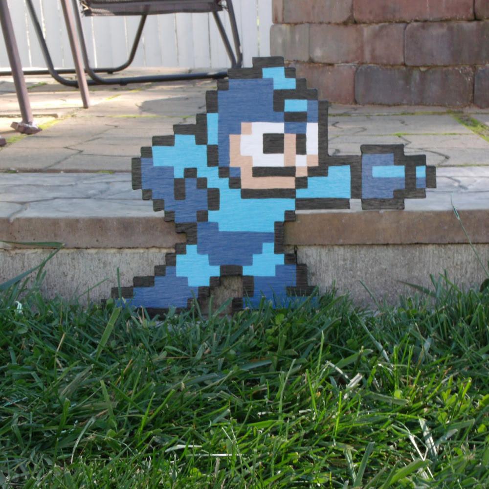 Nintendo NES 8-Bit 3D Wooden Pixel Art - The Green Head