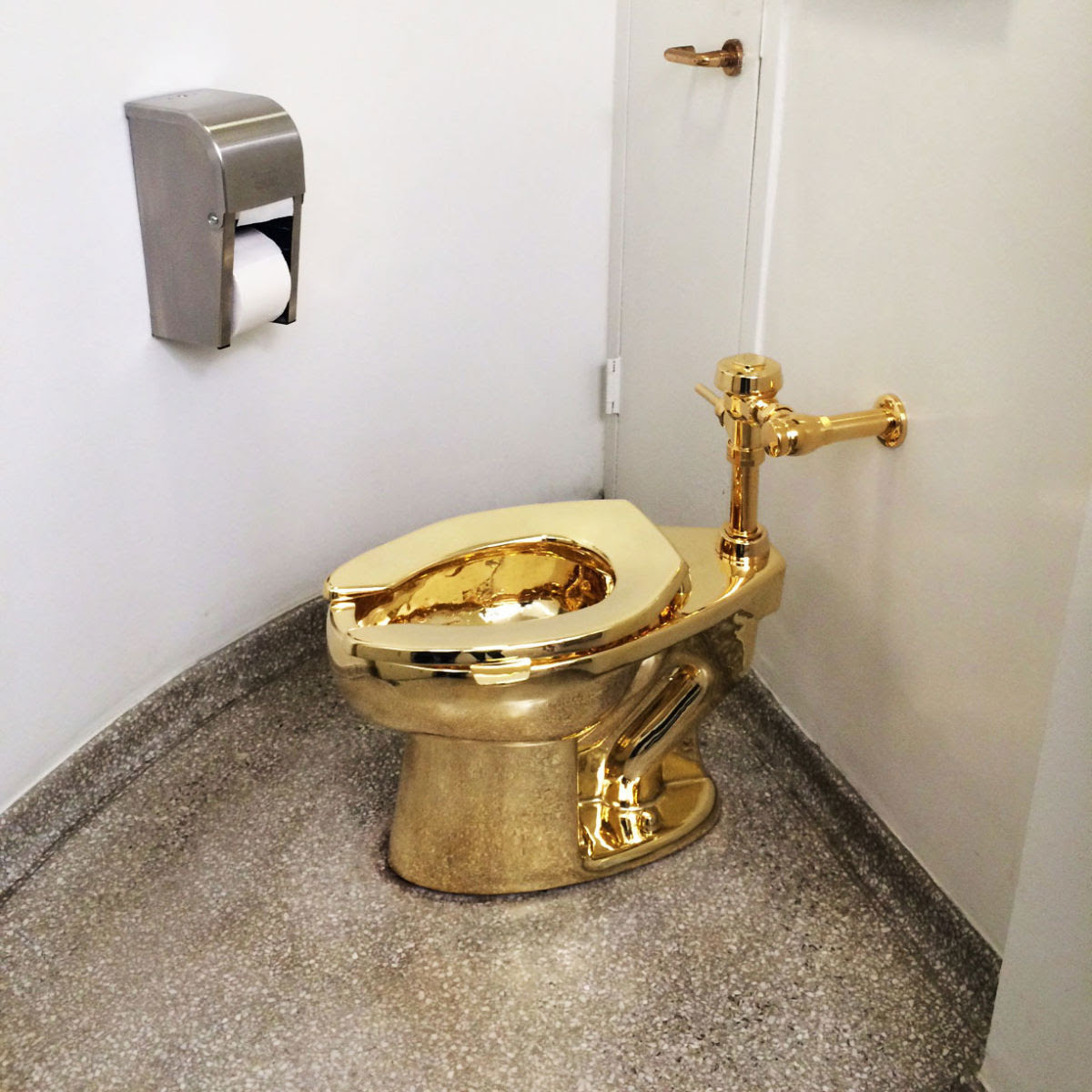 Theres A New Gold Toilet Called America In Town Secretnyc