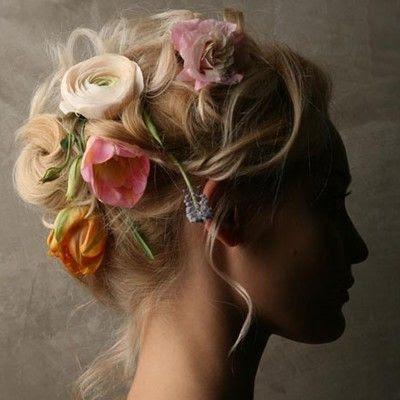 Pretty Hair, Flowers In Hair, That Pretty Dress Shop