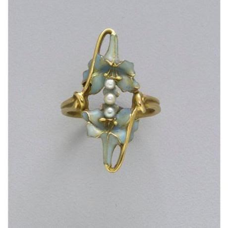 Lalique ring       tumblr_l29uehI9h71qbkn6io1_500