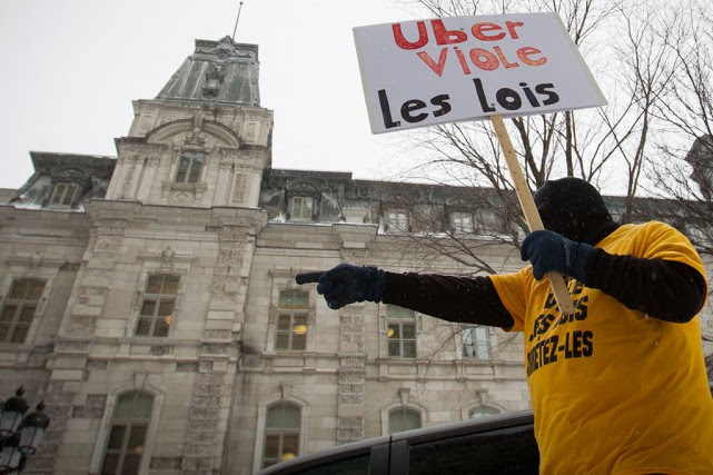 Le 9 février, une centaine de chauffeurs de... (PHOTO IVANOH DEMERS, ARCHIVES LA PRESSE)