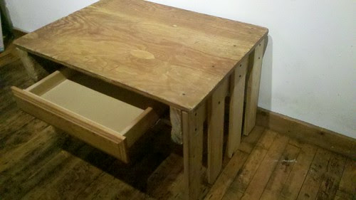 mini desk w. found drawer made from pallets by bridgetDginley