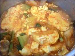 Soondubu cooking in suacepan