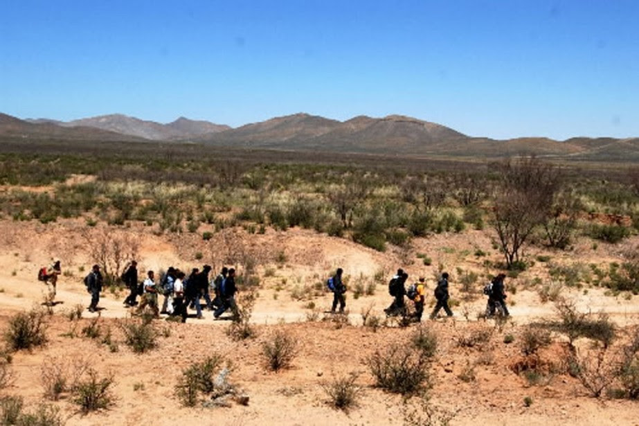 http://images.lpcdn.ca/924x615/201003/23/156970-immigrants-clandestins-regulierement-interceptes-frontiere.jpg
