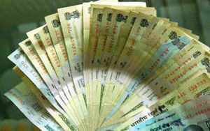 Link pay of govt workers with productivity, recommends finance panel