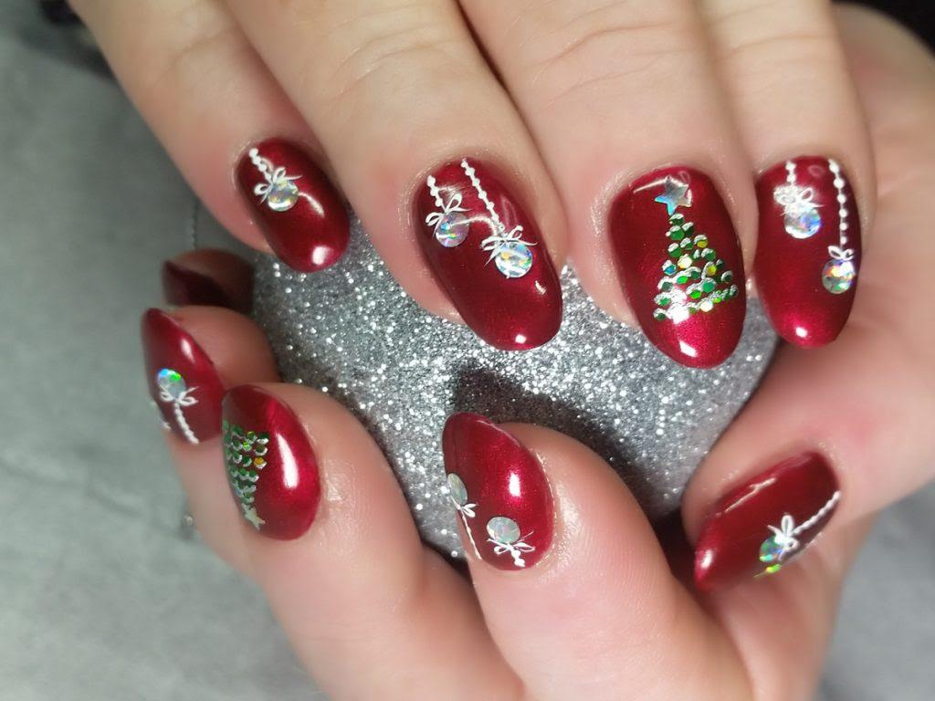 Christmas Nails at Mole End Design, Shaftesbury Dorset