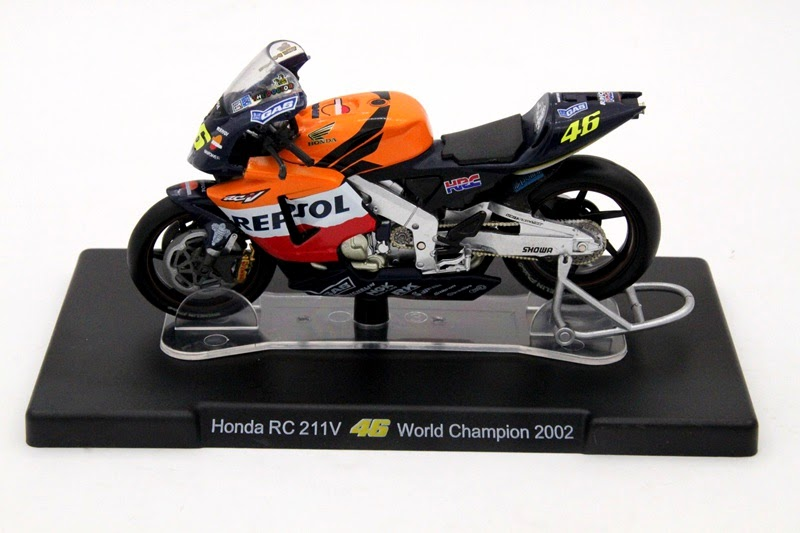 HONDA RC211V NICKY HAYDEN 2004 scala 1\24