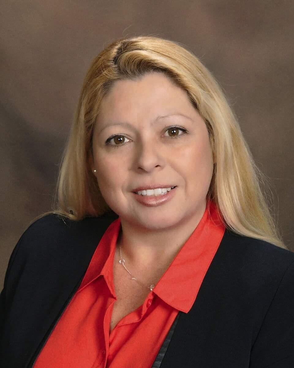 Insurance Agent CARMEN MARTINEZ serving LAKE SUCCESS, NEW YORK   New York Life.