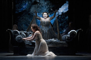 Ekaterina Siurina as Pamina and Albina Shagimuratova as Queen of the Night in Die Zauberflöte © ROH / Mike Hoban 2013