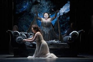 Ekaterina Siurina as Pamina and Albina Shagimuratova as Queen of the Night in Die Zauberflöte © ROH / Mike Hoban 2013