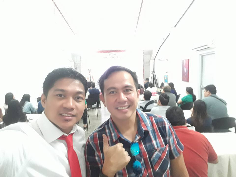 Filipino motivational speaker with Pinoy Save and Invest founder Allan Mantaring
