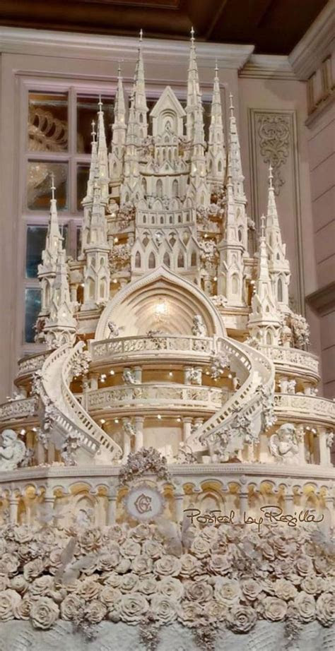 Best 25  Castle wedding cake ideas on Pinterest   Disney