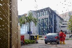 Car wash at petrol kiosk