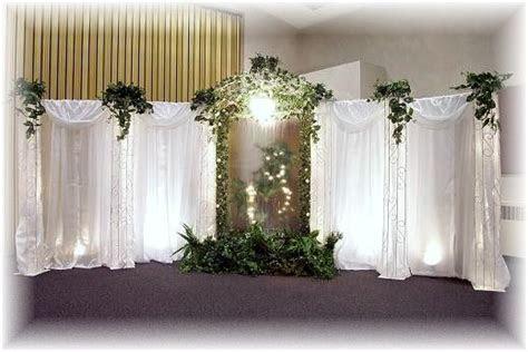pictures of wedding pillars decorated   Wedding
