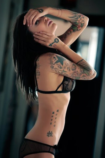 http://bodysstyle.files.wordpress.com/2012/07/accentuate-your-body-with-a-sexy-tattoo-design-3.jpg?w=350