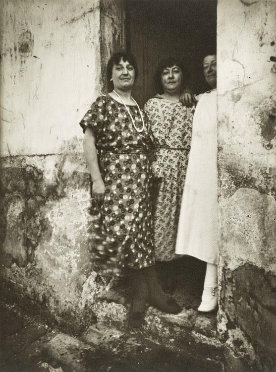 Atget Paris Rue Asselin 1924 557x750 Le Paris de 1900 par Atget  photographie histoire art