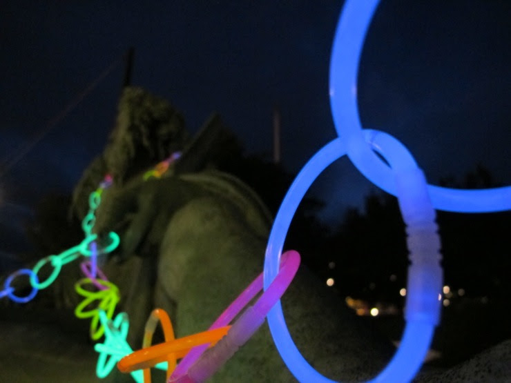 Glow garland