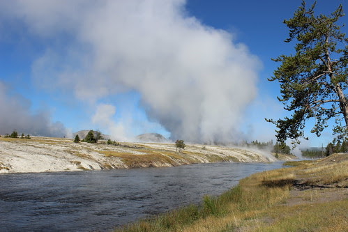IMG_2039_Steam_at_Yellowstone_NP