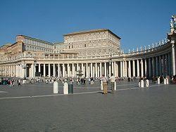 http://upload.wikimedia.org/wikipedia/commons/thumb/4/4f/Watykan_Plac_sw_Piora_kolumnada_Berniniego.JPG/250px-Watykan_Plac_sw_Piora_kolumnada_Berniniego.JPG