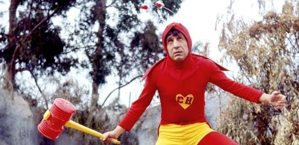Roberto Gómez Bolaños como Chapolin; herói completa 45 anos nesta quinta