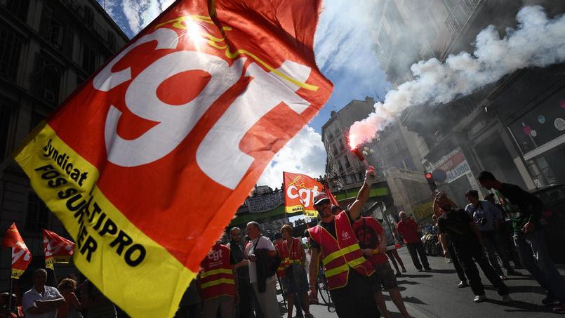 Le mouvement, qui n'est pas soutenu par les organisations au niveau national, est né de la mobilisation contre la loi travail.