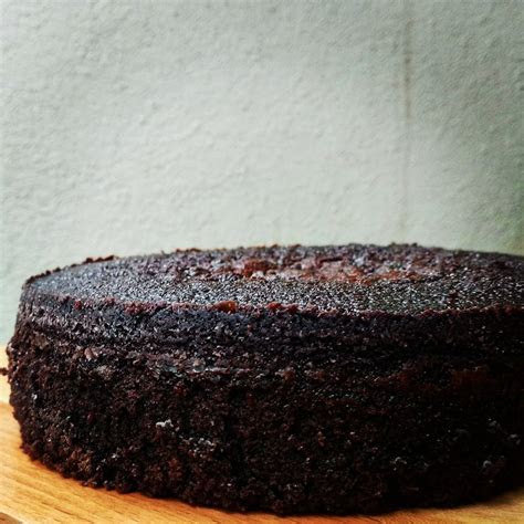 Dark Chocolate Mud cake Recipe   flours and frostings