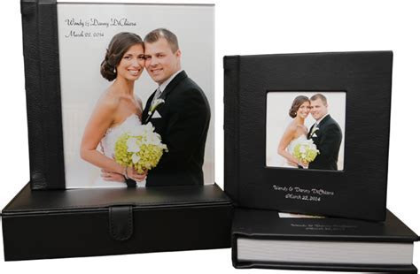Trending Wedding Album Designs to Preserve those Beautiful