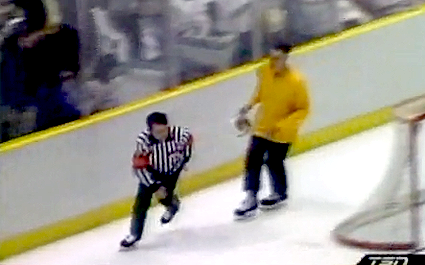 Yellow jersey linesman photo Yellowjerseyref.png