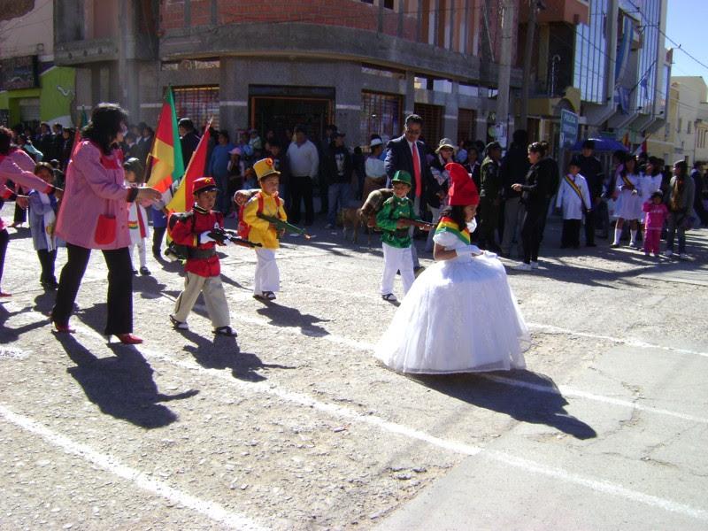 Desfile Escolar 5 de Agosto 2012